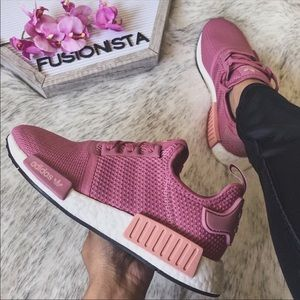 NWT 🍭 Rare Adidas NMD R1 Dusty Rose